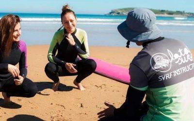 Anita del Rey y Sara Gómez en Latas Surf House
